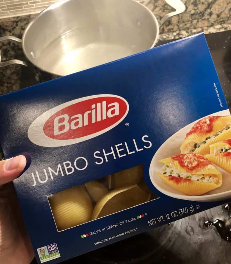 box of jumbo pasta shells