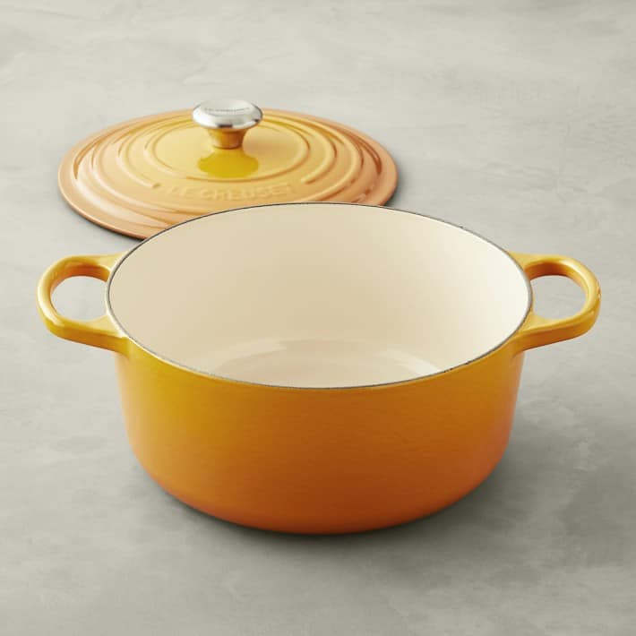 Le Creuset Cast-Iron Signature Round Dutch Oven